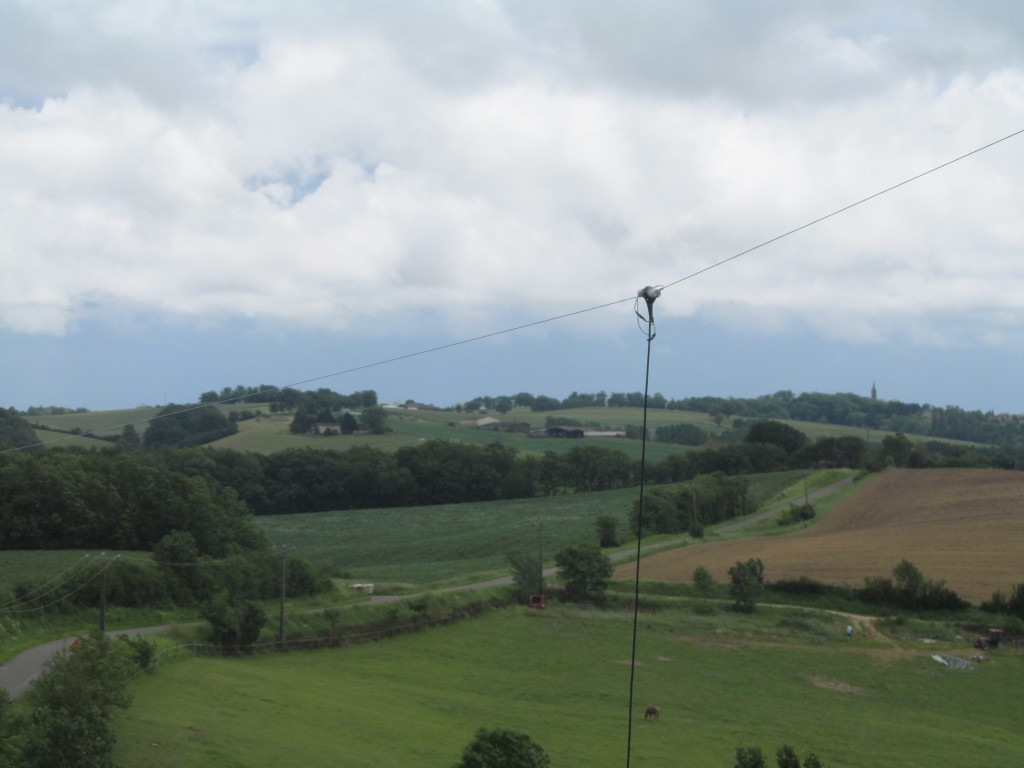 40M Dipole Overlooks Countryside