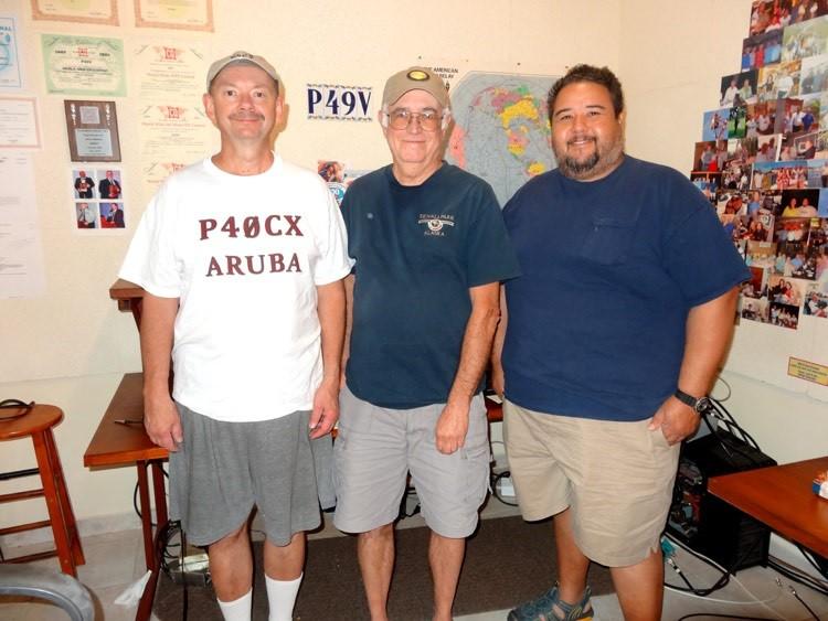 Tom P40CX, Dale W8SHR, Lisandro P43L